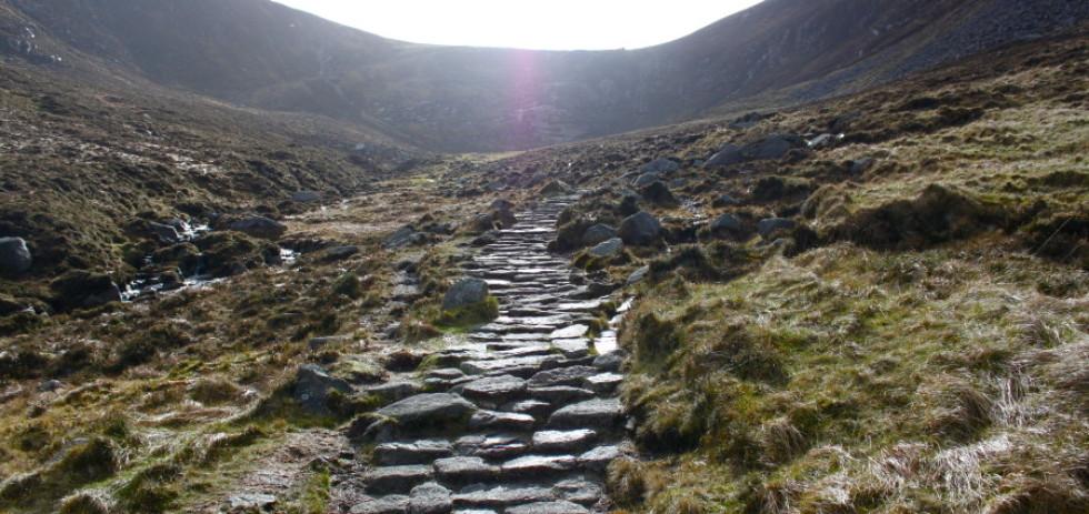 The path to Slieve Donard © Jonathan Brennan